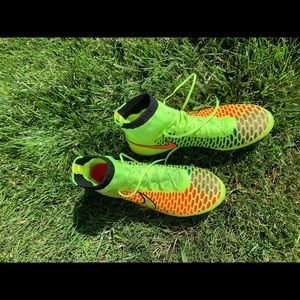NIKE Magista obra soccer shoes